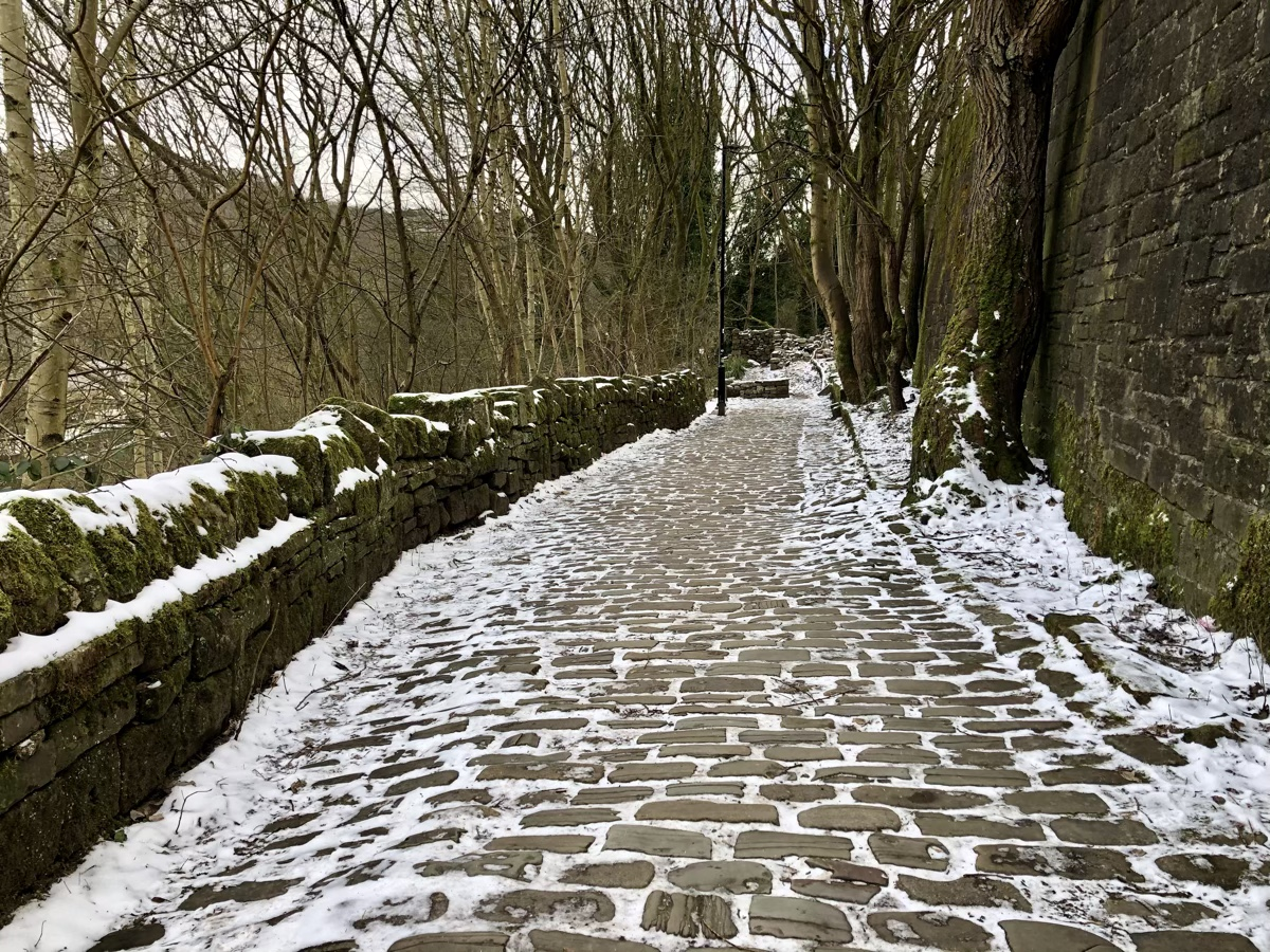 Snow on setts